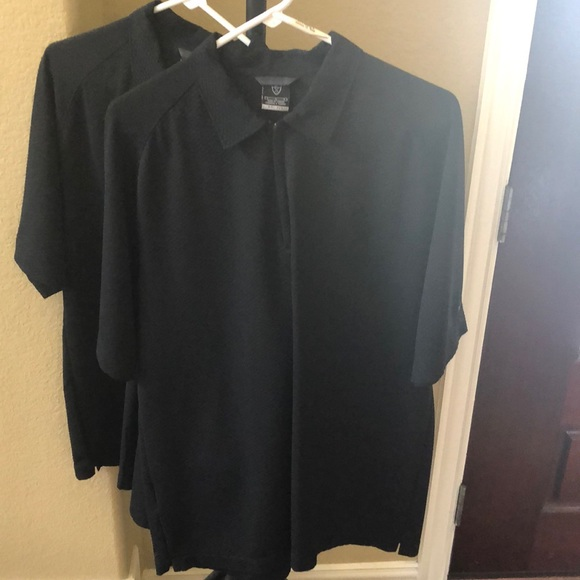 (2) Men's Nike Dri-Fit 1/4 Zip Golf shirts (Large)